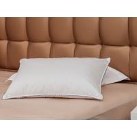 Комфортная подушка Golden Goose